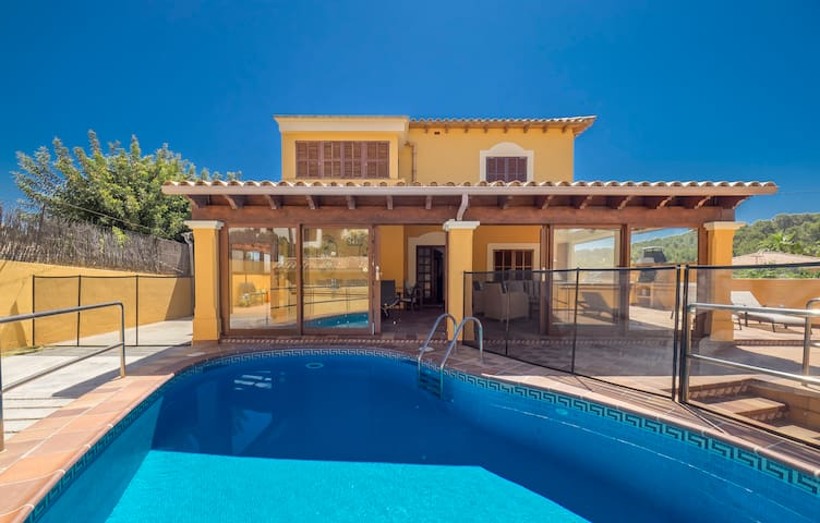 SPACIOUS VILLA for 10 - Pool and BBQ in Paguera - Peguera - House