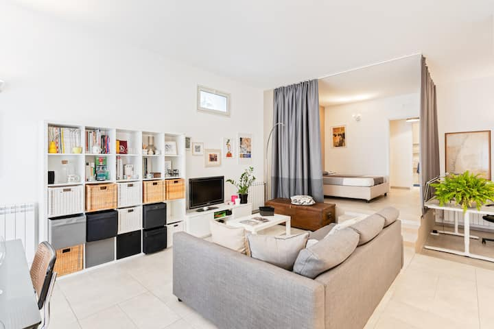 Modern and Bright Apt x4 - Private parking / Patio
