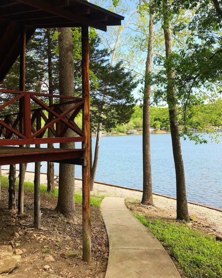 Lakeside Cabin #2 at Fisherwaters Resort