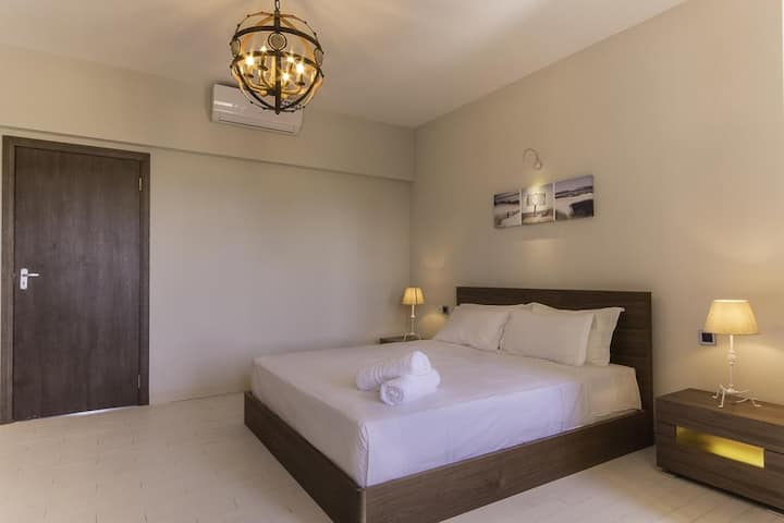 Gorgeous Bedroom With Sea View ★ - Azure Beach Boutique Hotel