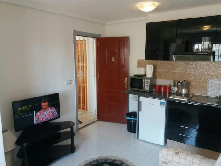 Cute 1bed apartment simple cosy centre of quesada