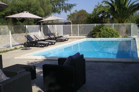 Charmante villa avec piscine sécurisée de  50 m 2 - Tanneron