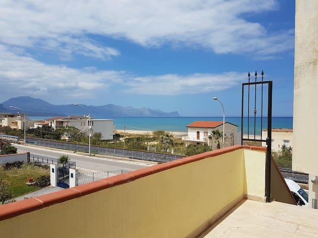 via del mare - Alcamo - Byt