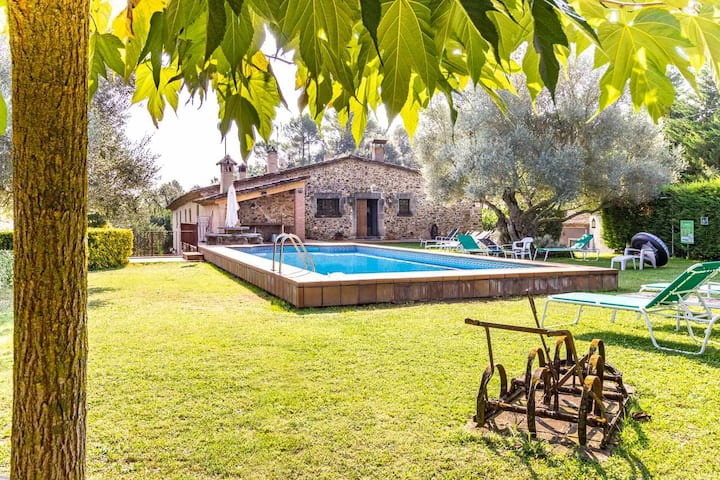 """Apartamento """"LA TINA"""" – Complejo rural MAS VILÀ con piscina"""