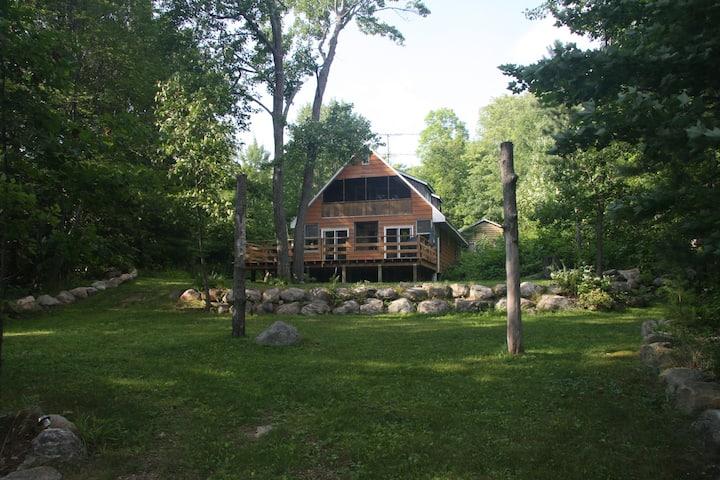 Kamaniskeg Cottage