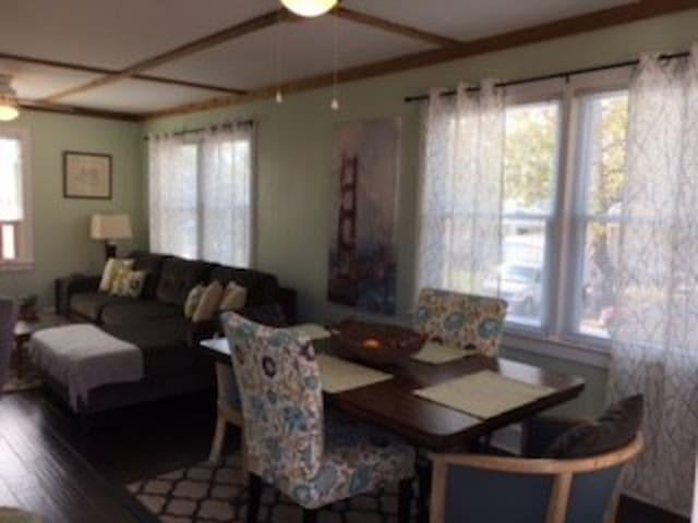 Nun Street Retreat-2nd Floor Historic Wilmington!! - Wilmington - Pis