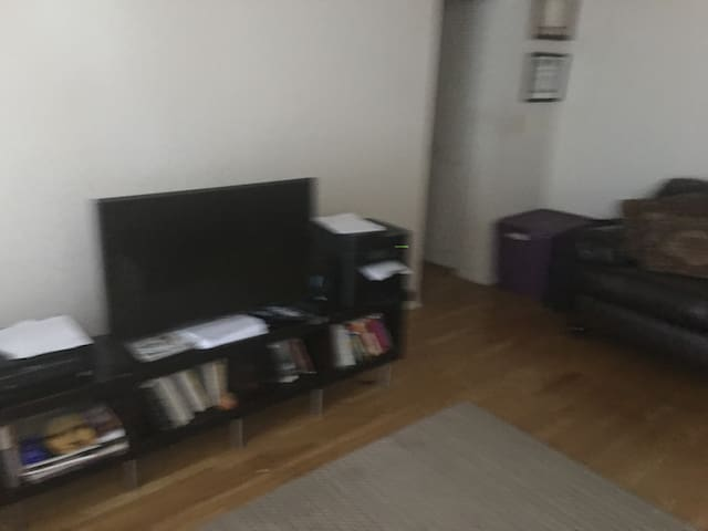 SHARED LIVING SPACE - Pomona - Apartamento