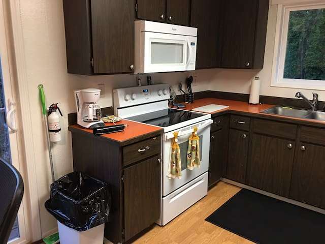 Hunts place apartments for rent in sitka alaska united states sciox Images