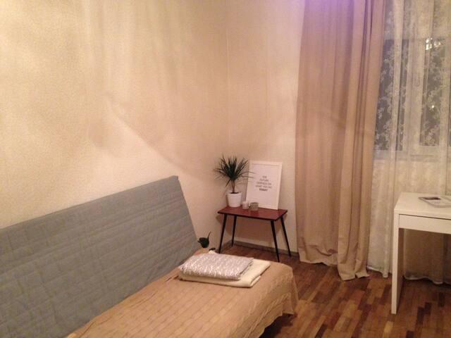 Скромная комната для нешумных путешествующих. - Sankt-Peterburg - Huoneisto