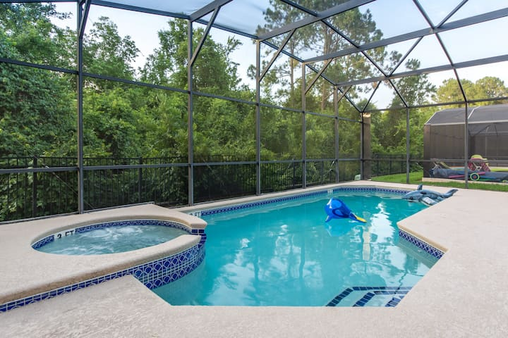 7BDR with Movie Theater, Pool/Spa, close to Disney
