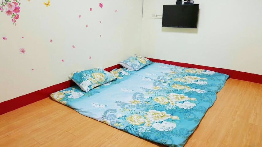 全新和室通舖房(可容納2-5人)、共用全新衛浴