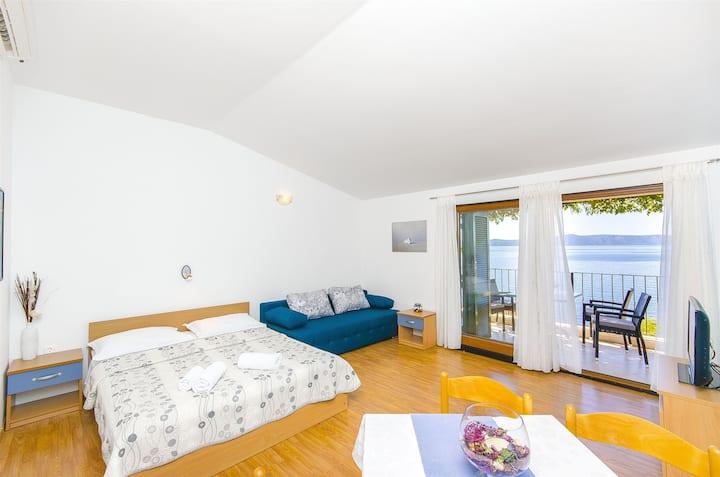 Studio Apartment, seaside in Podgora, Terrace