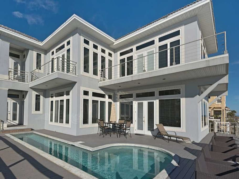 Crystal Palace 7 Bedrooms Beach Home W Lap Pool Houses For Rent In Destin Florida United