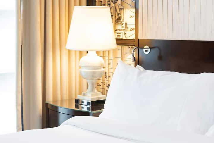 Hamilton Hotel Washington D.C., Executive King