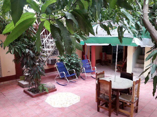 Hostal La China y Sanz: Bayamo # 1 - Bayamo - บ้าน