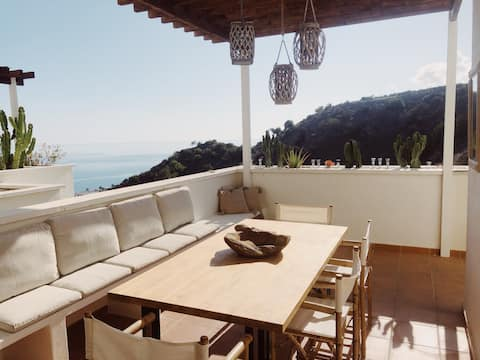 2bedroom apartment HUGE TERRACE(70m2) and POOL