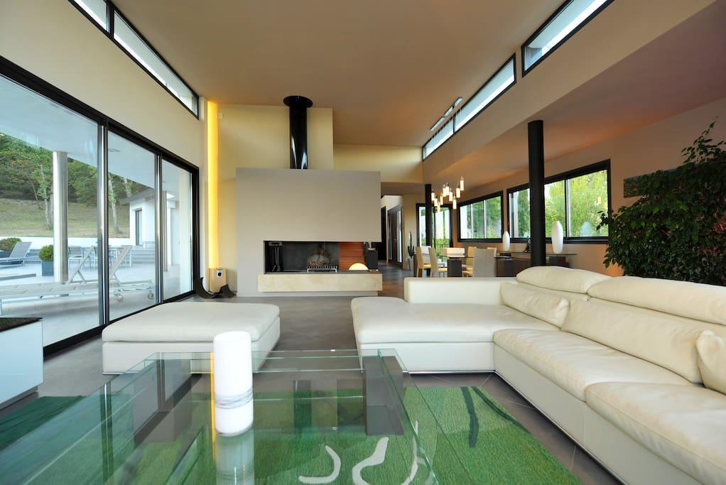 Maison d 39 architecte contemporaine houses for rent in pibrac midi pyr n es france - Maison architecte mark dziewulski ...