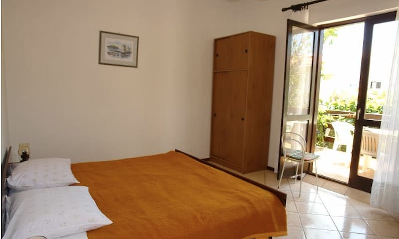 Apartment for 5 persons - Pag - House