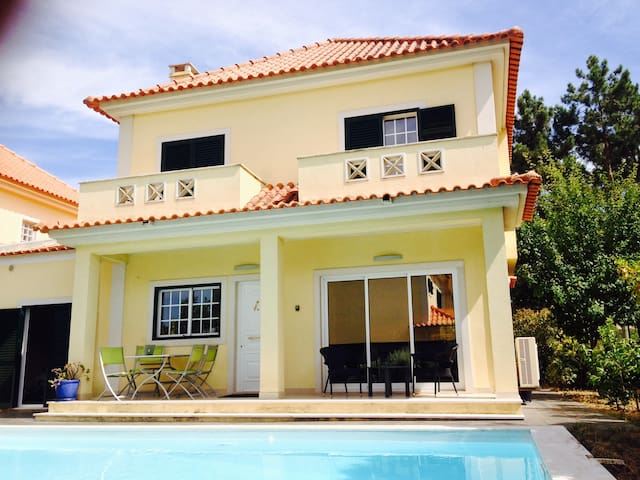 House Aroeira Lisbon with pool near beach