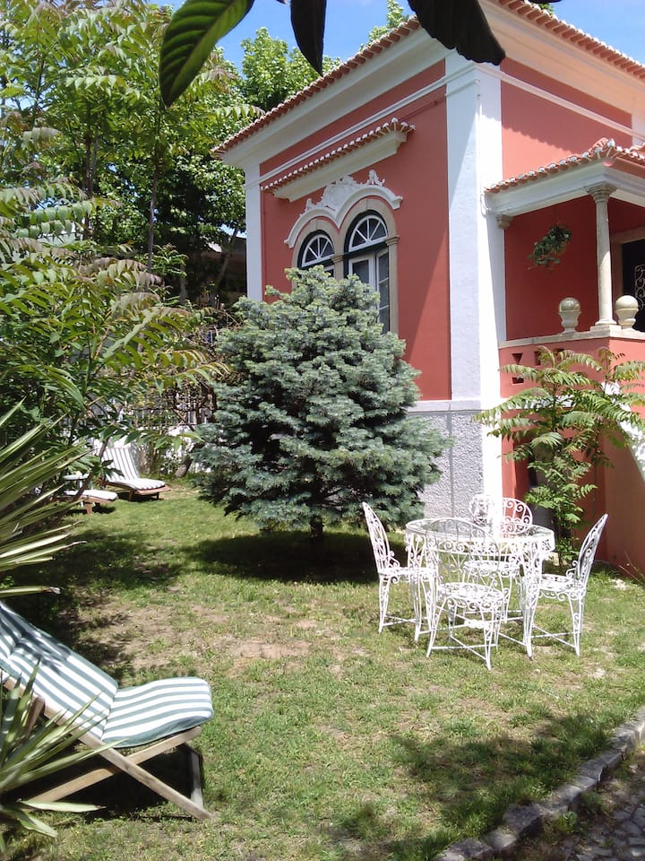 LISBON BEACH CHALÉ- 8 rooms-Rent all the Villa