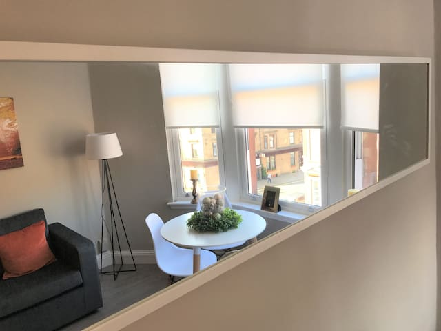 Partick Apartment (Great location) - グラスゴー - アパート