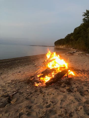 Summer bonfire on the beach wind and weather permitted upon host approval