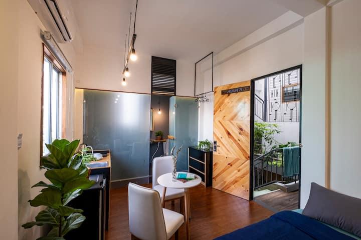 Aqua House 3 - Quiet Studio with Beautiful Window