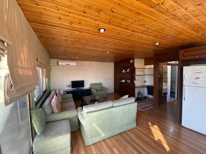 A Homey Loft  in Rabyeh