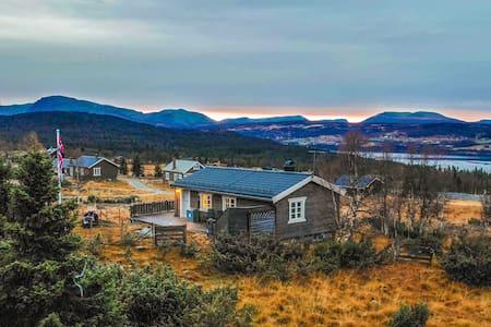 Cozy Cabin at Golsfjellet