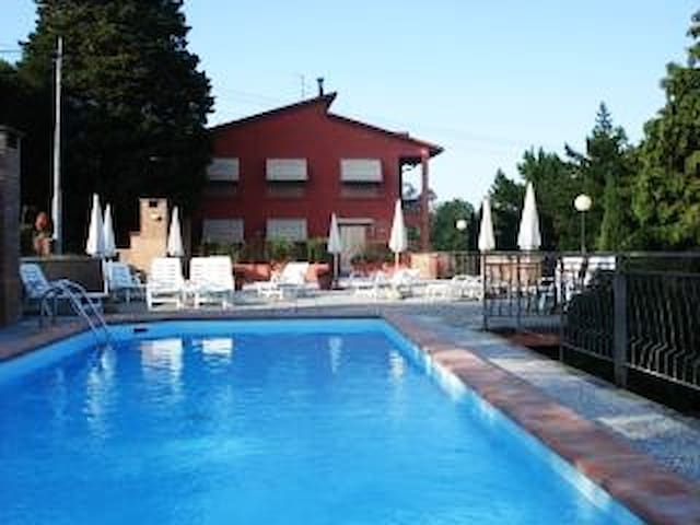 CLOSE TO FLORENCE, POOL,PRIVATE BALCONY and GARDEN - Vinci - Apartemen