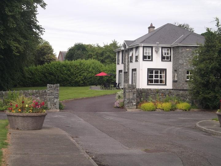 3 Priory Grove Muckross Road 2/3