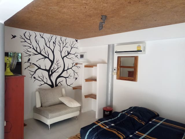 Small house wit kitchen  in nice location
