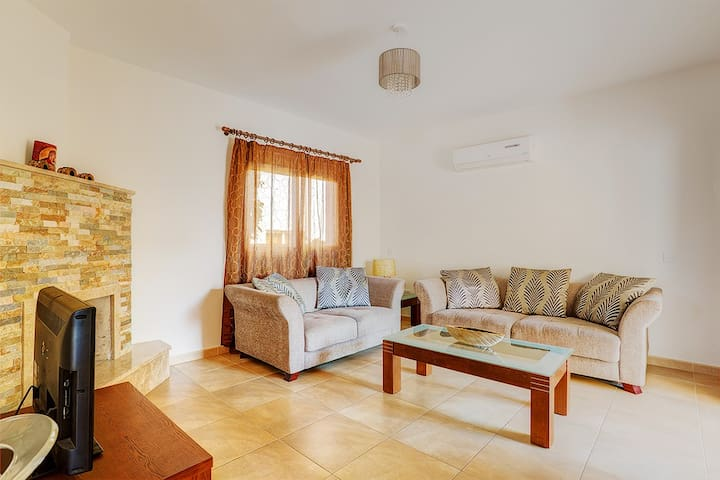 3-bedroom house in the tourist area - Mouttagiaka - House