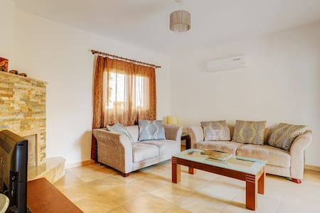 3-bedroom house in the tourist area - Mouttagiaka
