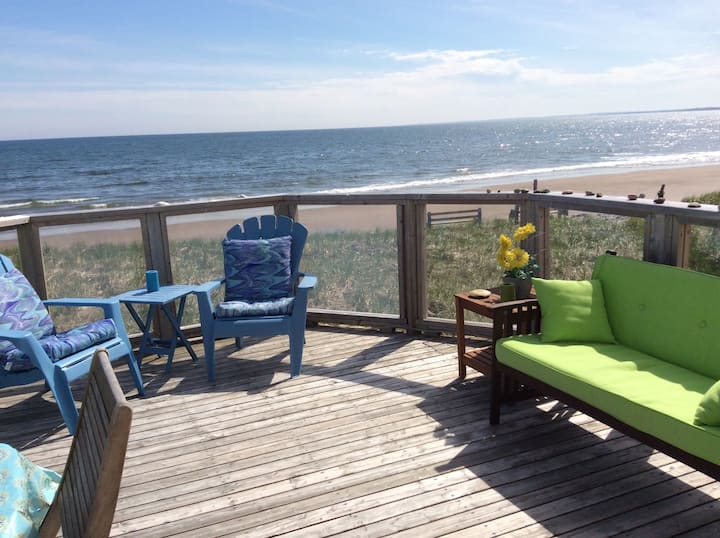 Lawrencetown Beachfront SEASPRAY Studio Apt.