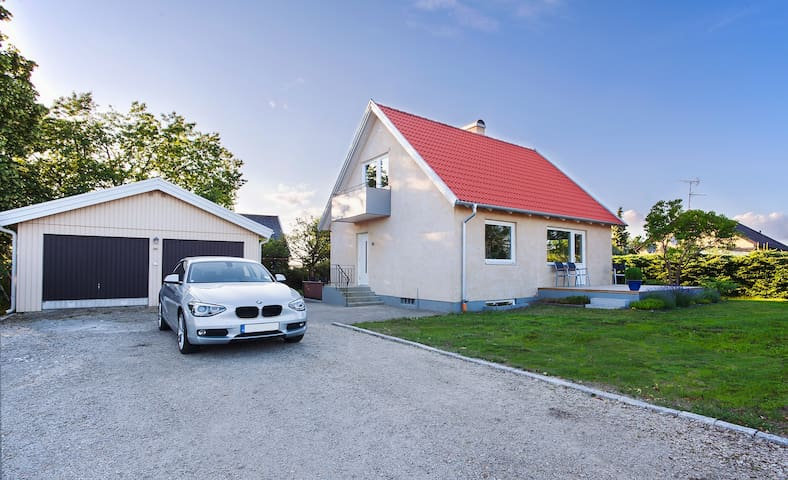 Brand new renovated house - Furulund - Huis