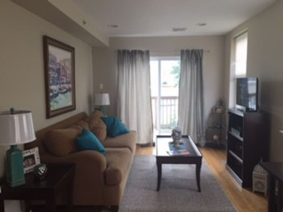Spacious 1 Bedroom Skyline View Apartments For Rent In Philadelphia Pennsylvania United