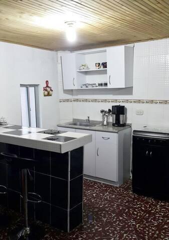 confortable apartamento en Pereira - Dosquebradas - コンドミニアム
