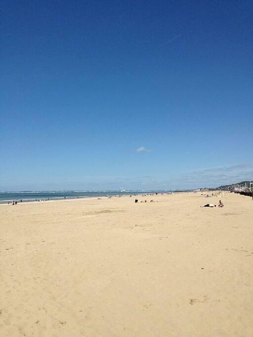 Très proche de la grande plage de Deauville