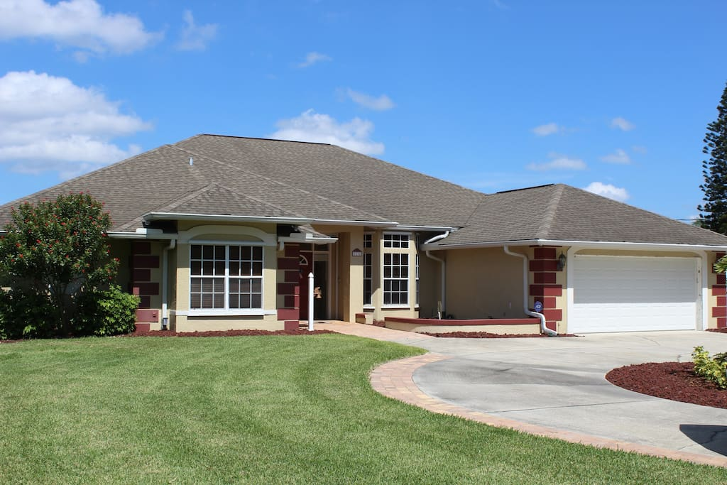 Front of the home with circle drive