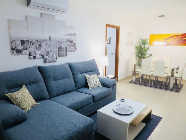 Excelente apartamento cerca del mar