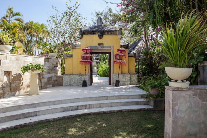 Villa Bidadari  Nusa dua - Bali