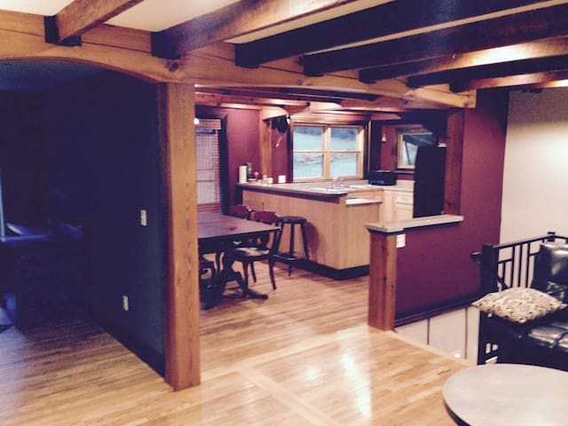 freshly remodeled close to Boone... - Boone - Casa
