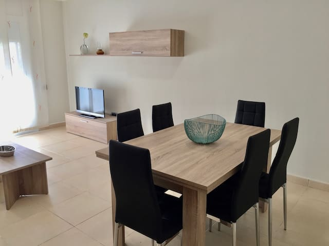 100 M2 CENTRAL APARTMENT COMPLETELY RENOVATED