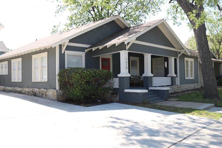 Henderson + Magnolia House