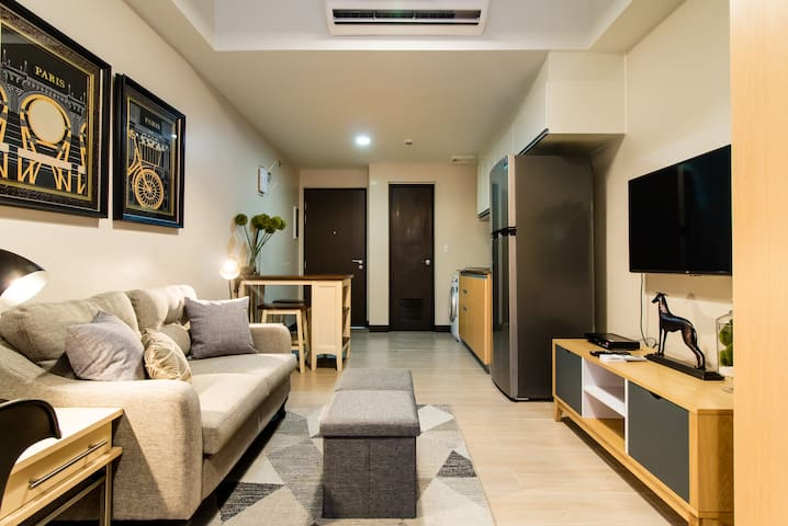 A modernly styled studio in a center of Makati