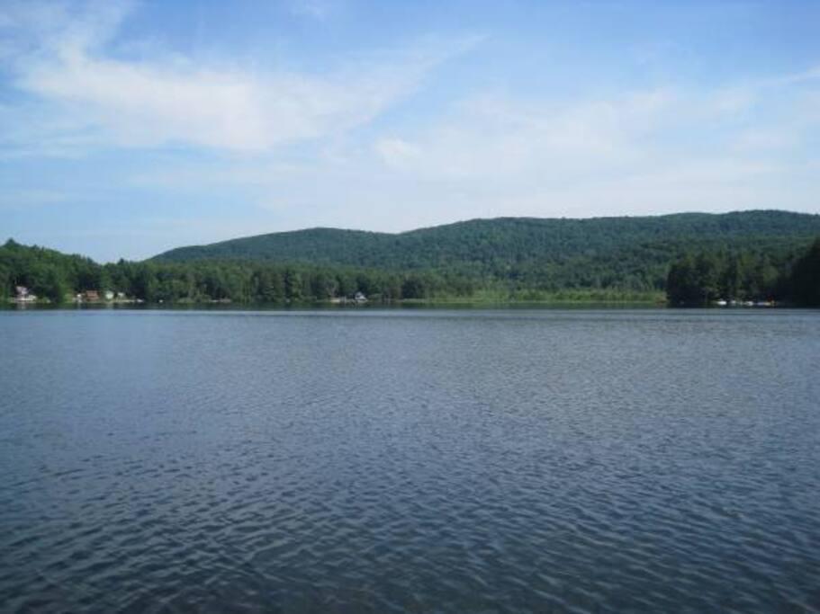 Lake Buel https://en.wikipedia.org/wiki/Lake_Buel