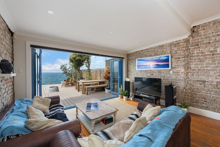 ABSOLUTE WATERFRONT - North Bondi - Casa