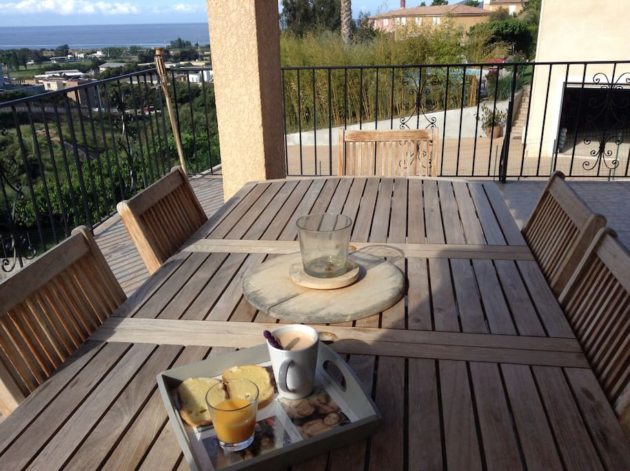 R sidence bella vista villa 1 villas for rent in ajaccio for Garage auto ajaccio