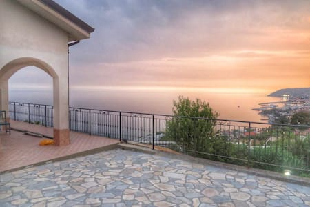 House With View - San Remo